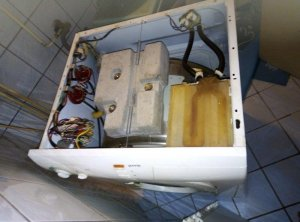 Laundry machine open from top