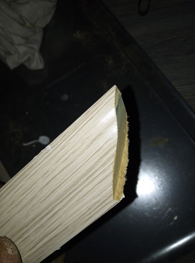 Badly cut moldings