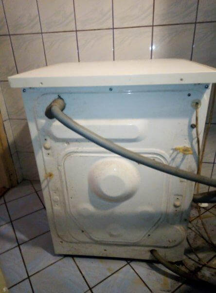 Washing machine from the back